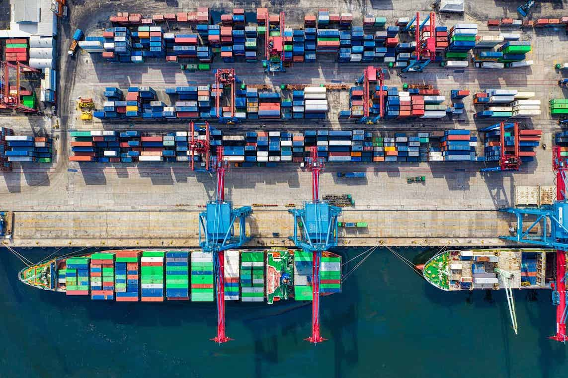 demurrage charges for containers at a terminal