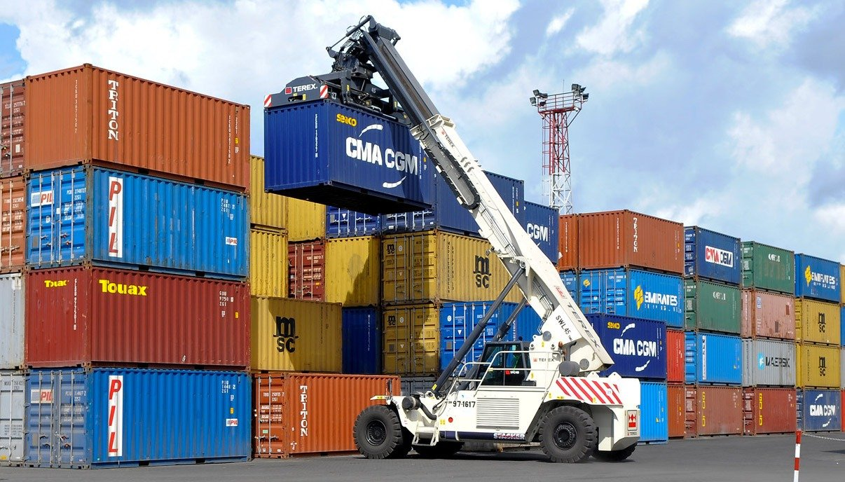 container lifted at container terminal