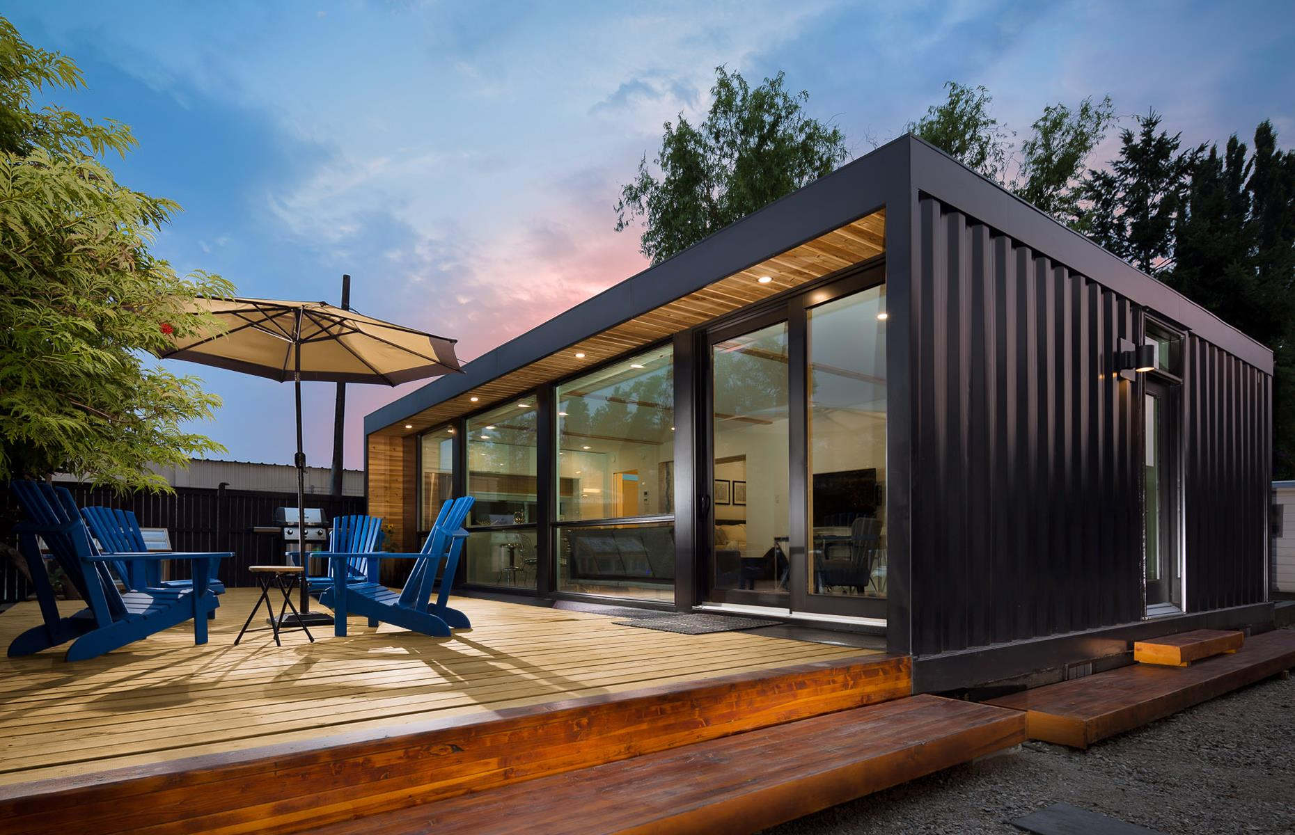 a house built out of containers
